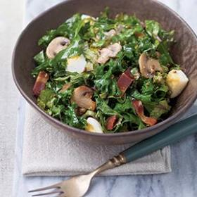 hearty-kale-salad-7782